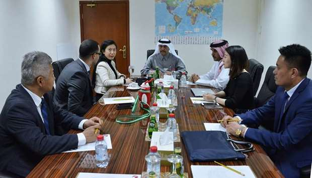 Ali Bu Sherbak al-Mansouri holds a meeting with the Arab-China Centre