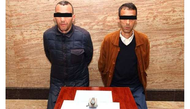 2 arrested for stealing watch from jewellery store