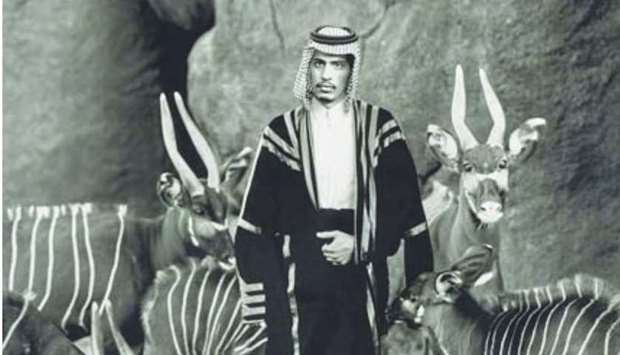 Sheikh Saud with the beira antelope by Richard Avedon.