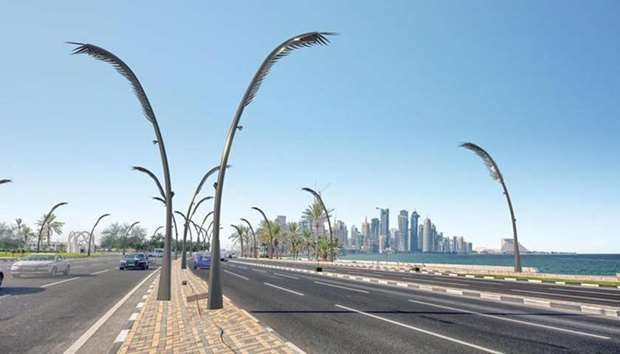 2600 decorative light poles to jazz up Corniche and Central Doha