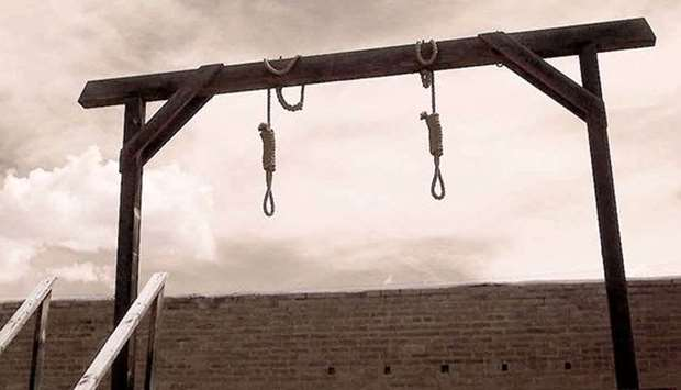 Japan executes two murderers