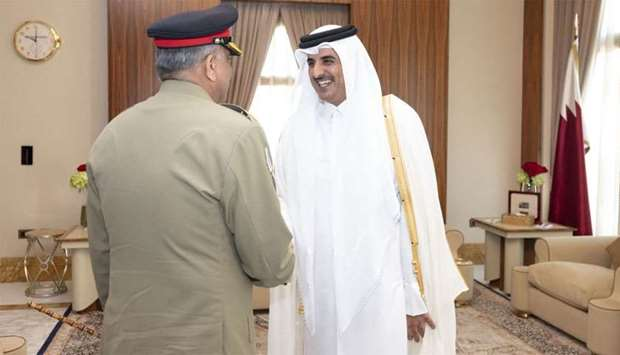 Amir meets Chief of Army Staff of Pakistan