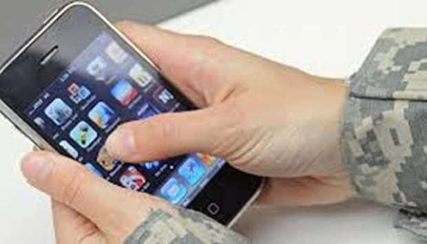 smartphone use by army