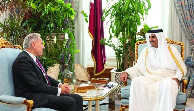 His Highness the Amir Sheikh Tamim bin Hamad al-Thani received the credentials of the ambassador of