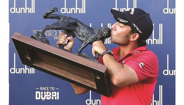 Pablo Larrazábal with Alfred Dunhill trophy