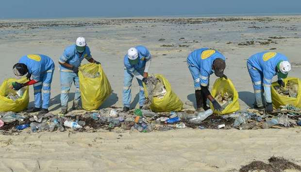 Two-month beach cleaning campaign from Abu Zallouf city up to Zekreet launched
