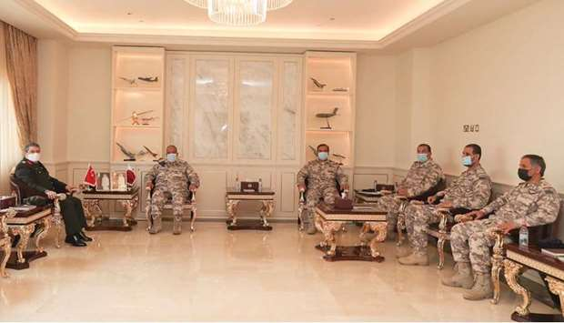 The meeting dealt with reviewing bilateral co-operation in the military field and the means to enhan