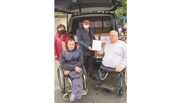 The delivery of the aid was attended by Chairman of the Association of Disabled Persons Mihai Margin