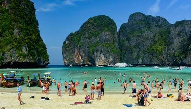 Thailand bans smoking, littering at popular beaches