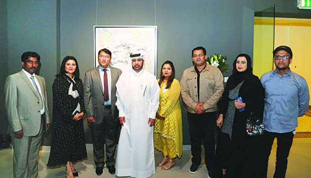 A group of artists with Dr Khalid bin Ibrahim al-Sulaiti.