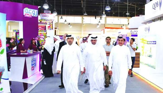 Qatar Chamber chairman Sheikh Khalifa bin Jassim al-Thani and other Qatari and Kuwaiti dignitaries d