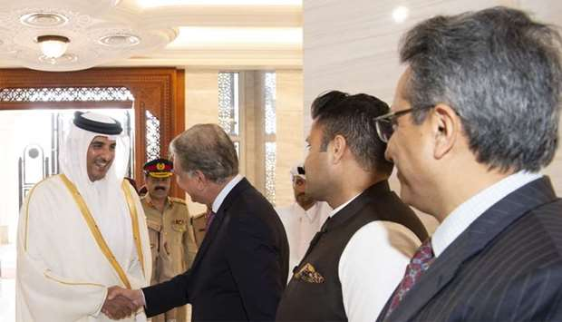 His Highness the Amir Sheikh Tamim bin Hamad al-Thani meets Pakistani officials accompanying Prime M