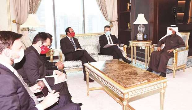 During the meeting, they reviewed the bilateral co-operation relations.
