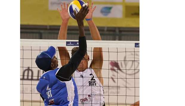 The Qatari duo won the game 2-0 (22-20, 21-13) to reach the last-four stage of the competition, wher