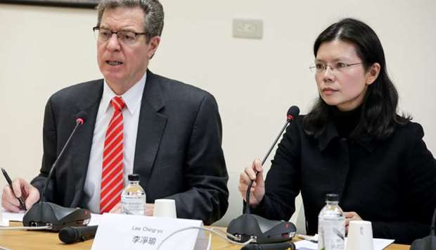 US Ambassador for Religious Freedom Sam Brownback and Lee Ching-yu, wife of Taiwan human rights advo