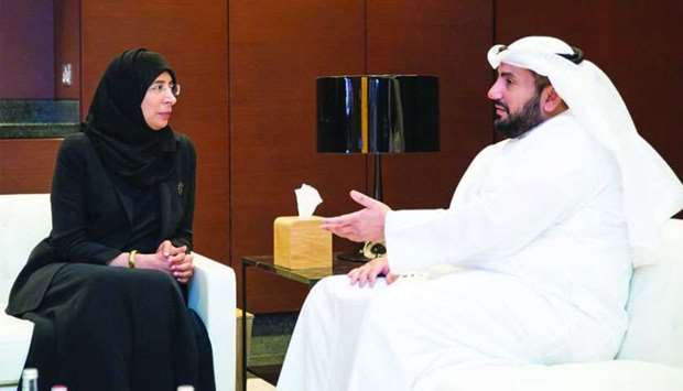 Health minister meets Kuwaiti counterpart