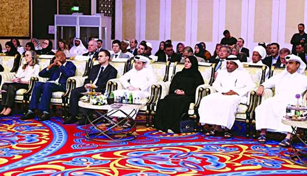 HE the Minister of Education and Higher Education Dr Mohamed Abdul Wahed Ali al-Hammadi with other d