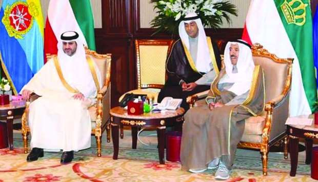 Kuwaiti Amir meets State Audit Bureau chief