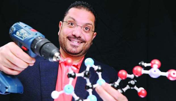 Dr Mohammad Yousef illustrates the concept of the nano-drill.