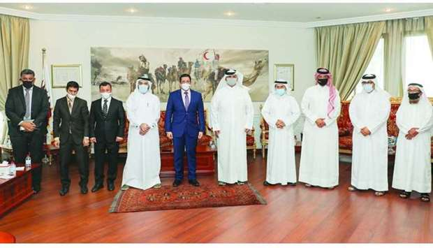 QRCS officials with the Yemeni delegation.