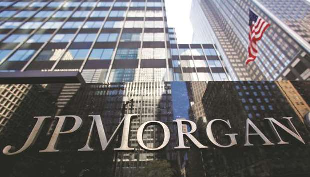 JP Morgan's first-quarter profit easily tops expectations