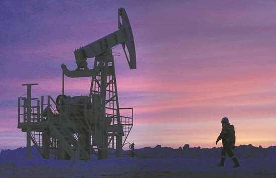 Opec-Russia talks set to keep oil cuts even as glut vanishes