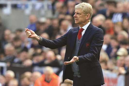 Wenger to use West Ham match as Europa League preparation