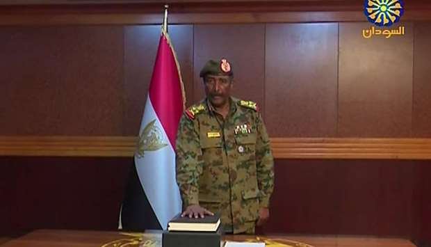 General Abdel Fattah al-Burhan Abdulrahman taking oath