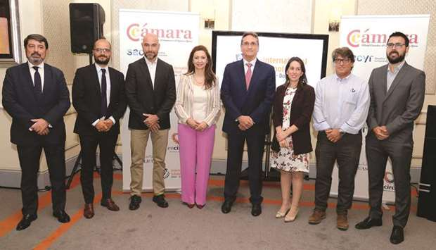 Rivera and Sanchez felicitated by Spanish Chamber of Commerce