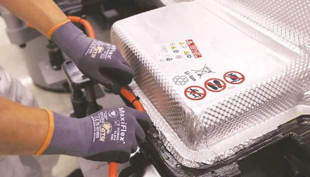 LG, SK reach $1.8bn settlement to end electric-vehicle battery spat