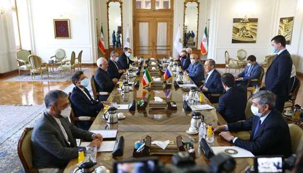 Russian Foreign Minister Sergei Lavrov and Iranian Foreign Minister Mohammad Javad Zarif hold a meet