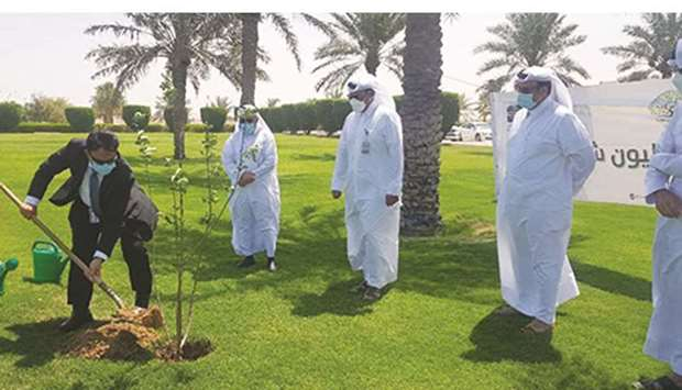 Senior officials from the Ministry of Municipality and Environment and the municipality were present
