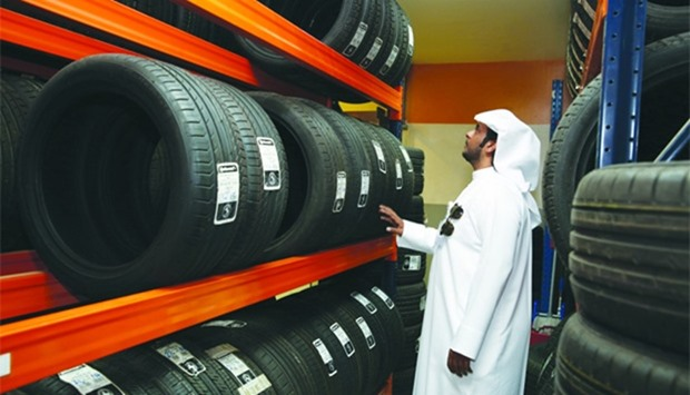 MEC inspectors checking the tyres