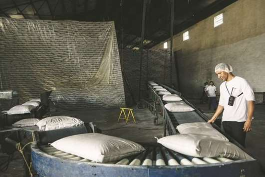 Brazil sugar mills at risk by record crop 9,000 miles away