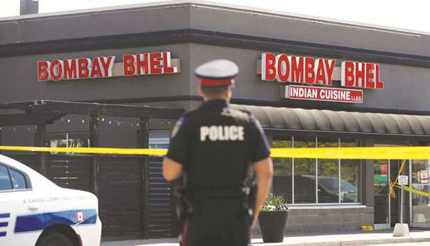 Manhunt in Canada over eatery bombing