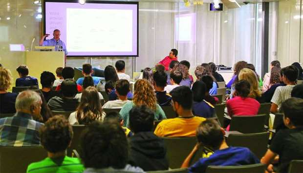 Qatar National Library Organizes Lecture on Far Ranging Effect of Dust Storms