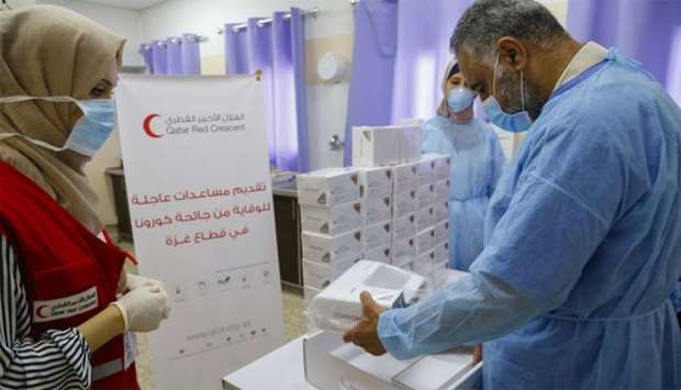 QRCS has delivered 800 rapid antigen test (RAT) kits to the Ministry of Health in Gaza.