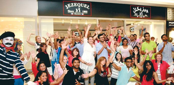 Flash mob wraps up its performance at Jezequel's outlet in Lagoona Mall.
