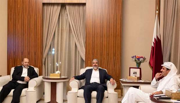 Amir meets a delegation from Hamas