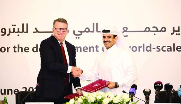 HE the Minister of State for Energy Affairs, Saad Sherida al-Kaabi with Chevron Phillips Chemical pr
