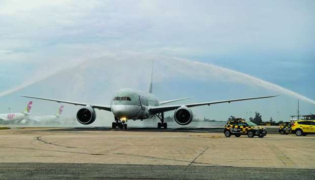 Qatar Airways flight QR343 was greeted with a water cannon salute on arrival at Lisbon Airport