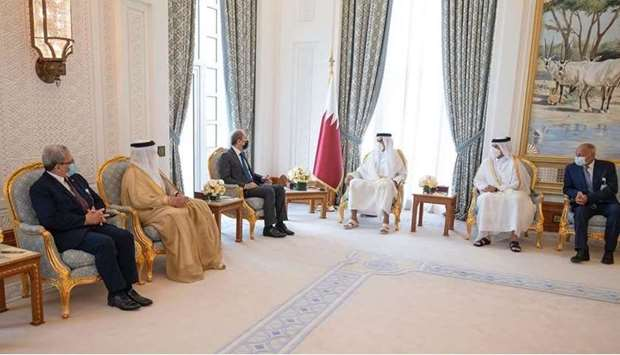 His Highness the Amir Sheikh Tamim bin Hamad Al-Thani meets with the Secretary-General of the Arab L