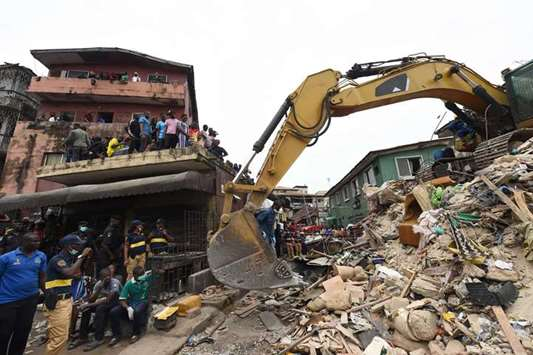 8 killed in Nigeria building collapse