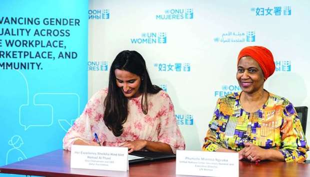 HE Sheikha Hind signing the CEO Statement of Support for the Women's Empowerment Principles.