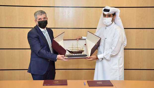 The MoU was signed by the General-Manager of RACA Ibrahim Abdulla al-Dehaimi and President of HBKU D