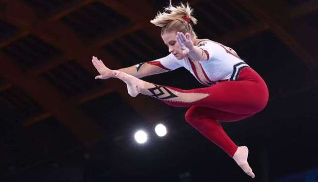 Elisabeth Seitz of Germany in action on the balance beam. REUTERS/Mike Blake