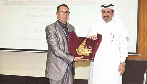 Qatari investments in Tunisia crossed 4.0 bn in 2015
