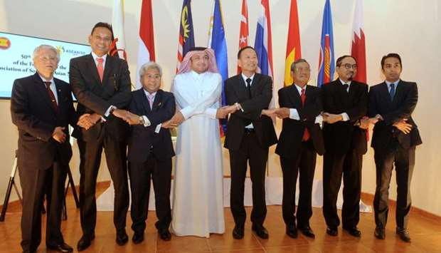Qatar's Ministry of Foreign Affairs' Chief of Protocol Ibrahim Yousif Abdullah Fakhro with Asean amb