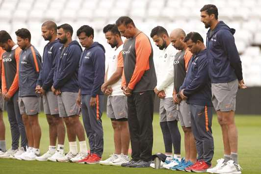 Shastri calls on India's batsmen to play 'ugly and dirty'