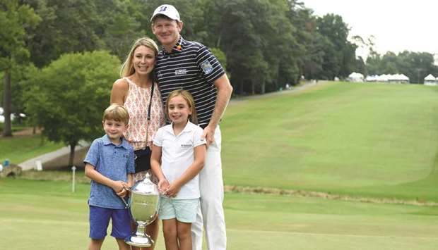 Snedeker goes  wire-to-wire to win Wyndham title